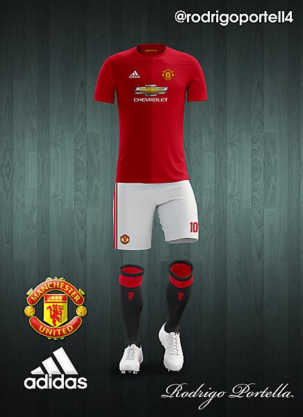 Manchester United 2016-17 home kit