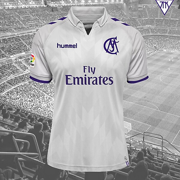 Real Madrid Hummel local