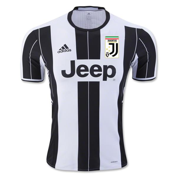 New Juventus crest on shirt