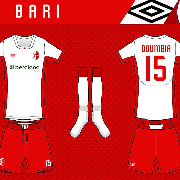 FC Bari - Home kit