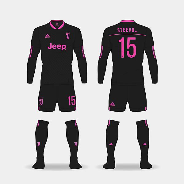 Juventus away kit. @steevo_15