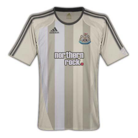 Newcastle Away_1